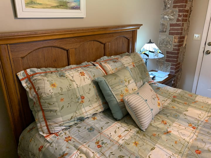 The Hideaway - Biggers Bed & Breakfast