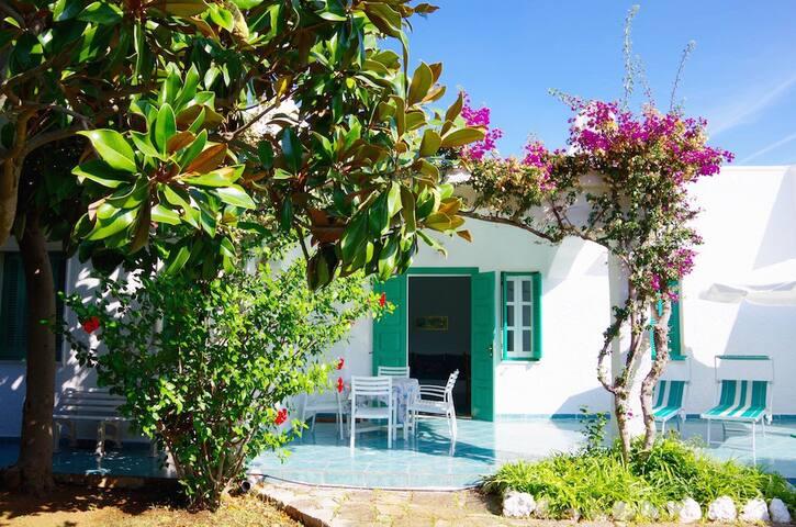 Mediterrane Ferienvilla nur 250 m vom Meer
