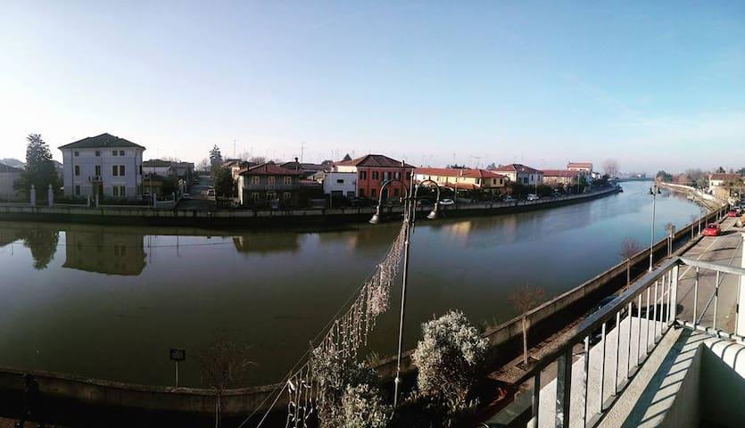Luminosa mansarda in centro storico – Vista fiume - Codigoro