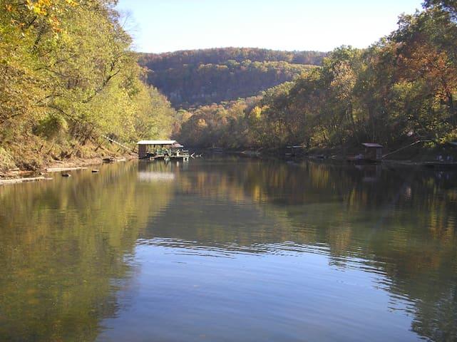 Little Red River Retreat, LLC - Heber Springs - Hus
