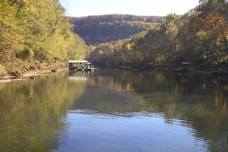 Little Red River Retreat, LLC - Heber Springs - 独立屋