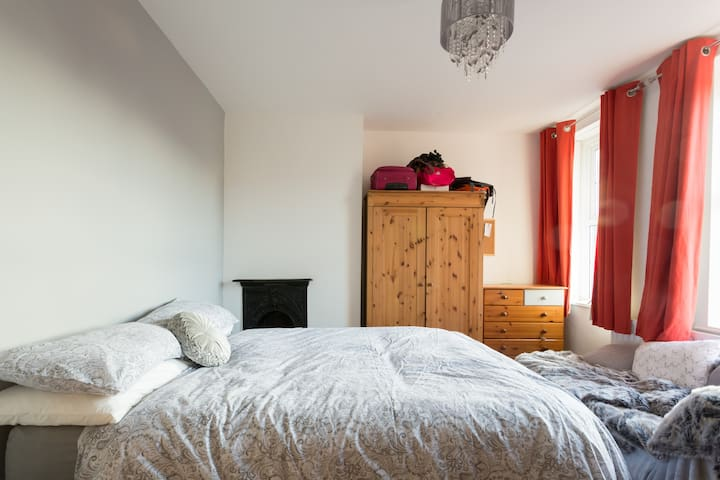 Double Room in Stone House Otley - First Floor - Two Windows