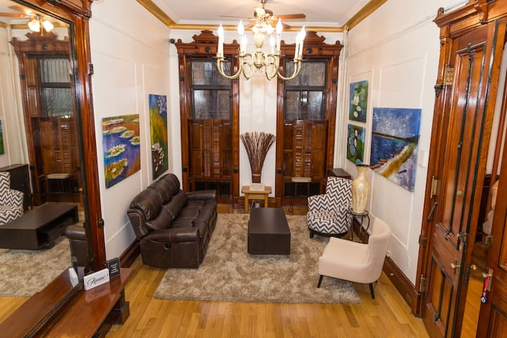 Beautiful Private 3bed Nestled in Historic Harlem