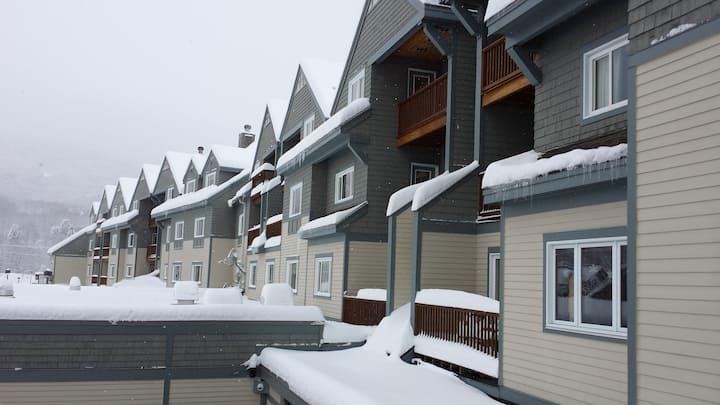Ski In/Out Killington Grand slps 6