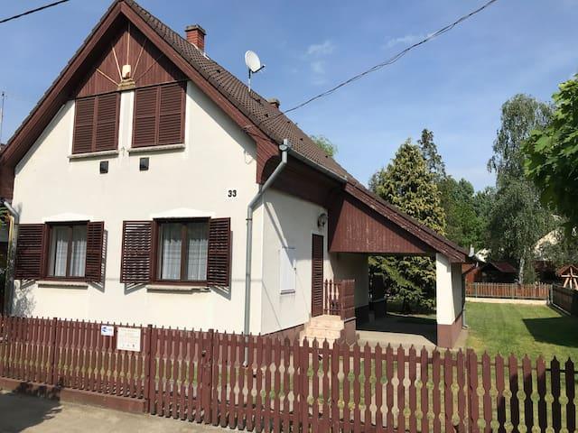 Attila Apartman / Vendégház