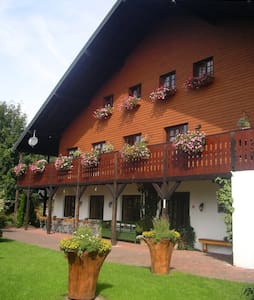 Ardennen Hotel Lanterfanter (30p) - Sankt Vith - Inap sarapan