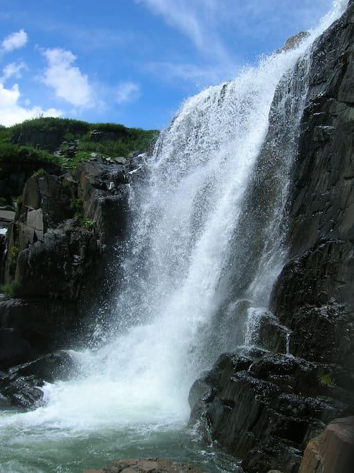 Baga Turgen's water fall