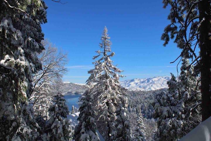 Stellar Jay Landing - Lake Arrowhead, CA