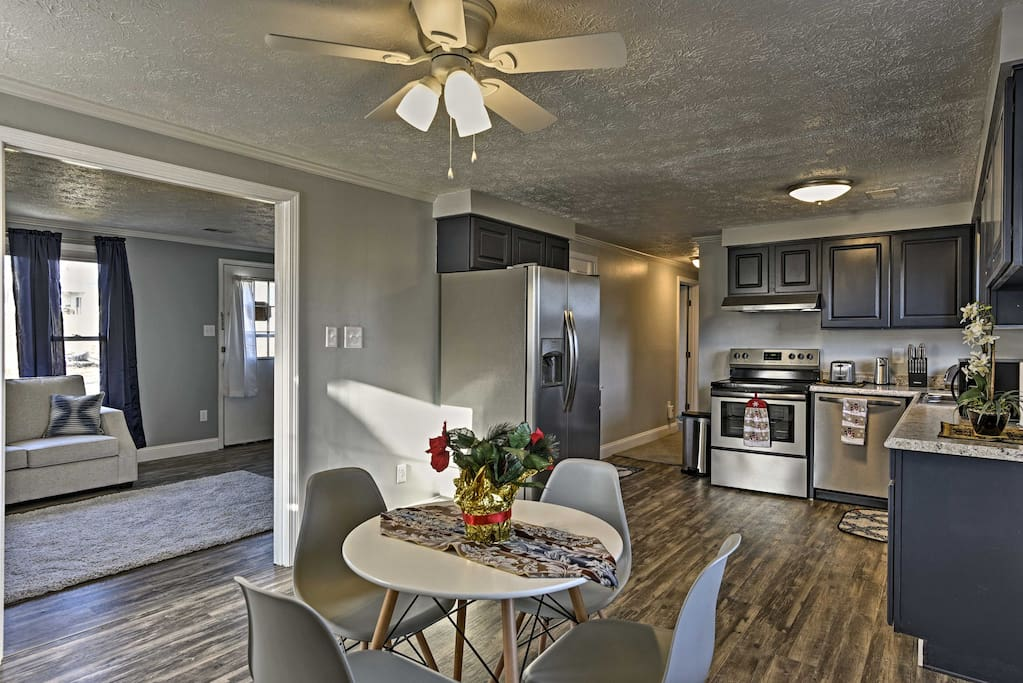 Boasting 3 bedrooms and 2 bathrooms, this home sleeps up to 6 guests.