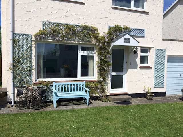 Holiday House, Edern, Country Escape by the Sea