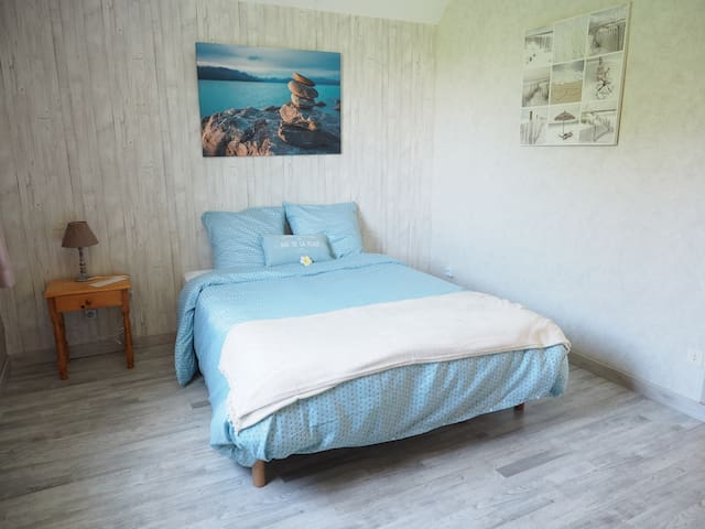 "Chambre ""in the sea"""
