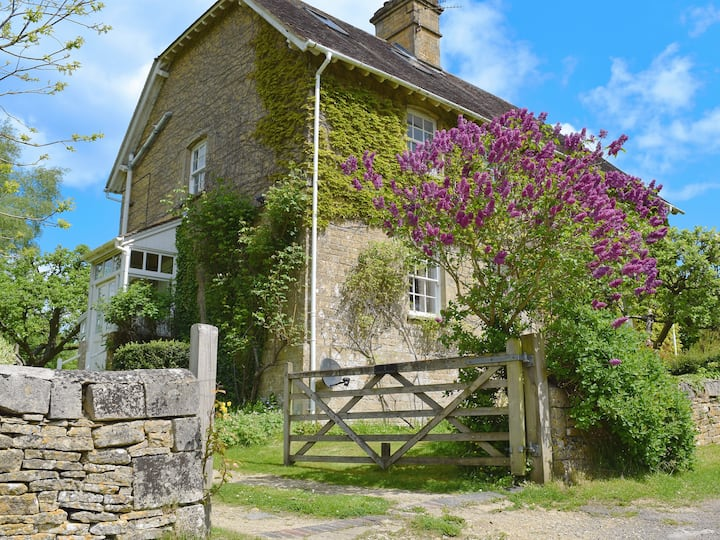 Jubliee Cottage (UKC138)