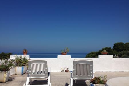 Casa di mare terrazzo - San Menaio