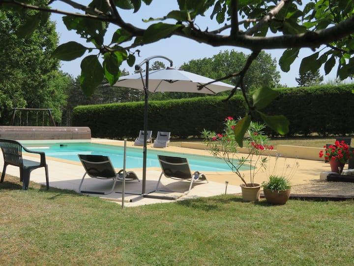 Chambre d'hôte-Dordogne-Périgord Noir-Piscine