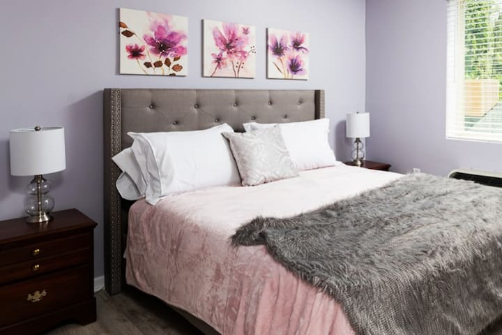 A beautiful and romantic master bedroom lead your mood to a wonderful night!
