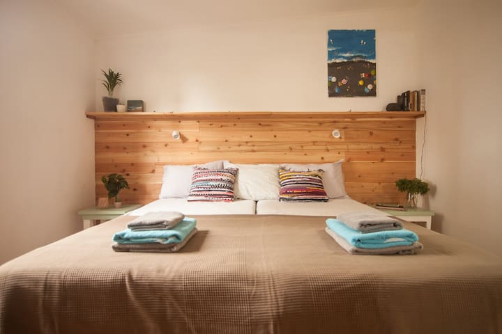 Two beds together make a big one. For friends or lovers!