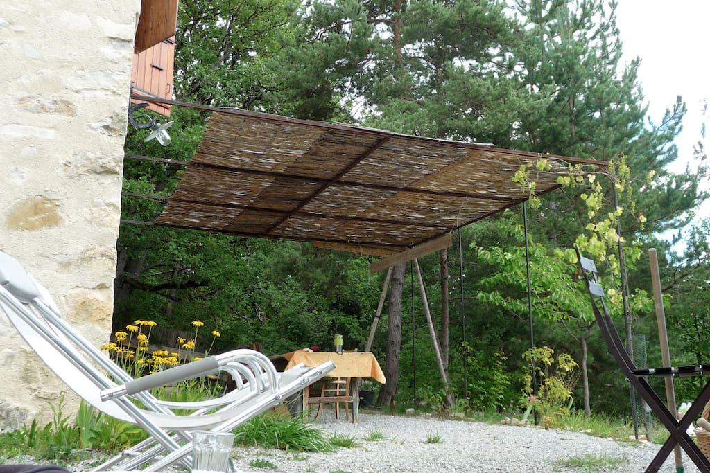 cabanon proven al en pleine nature houses for rent in la charce auvergne rh ne alpes france. Black Bedroom Furniture Sets. Home Design Ideas