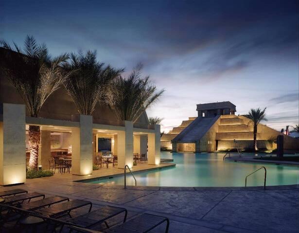 Cancun Resort Las Vegas - One Bedroom Suite