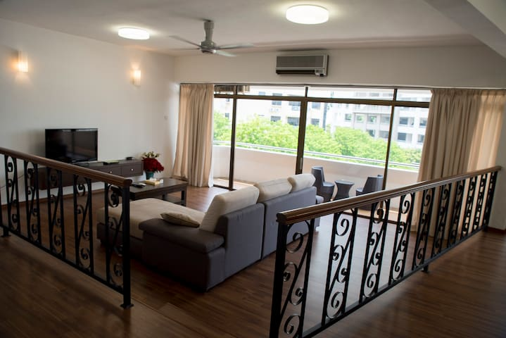 Spacious Airy Comfort @ Gurney Drive 3BR Condo 33