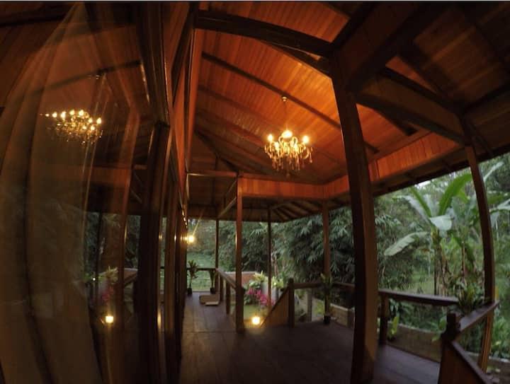 Umah Kayu Jatiluwih - wooden house Glamour Camping