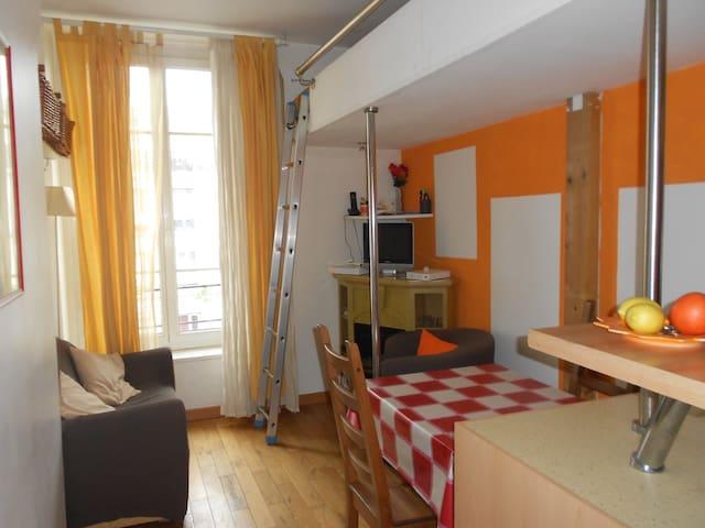 F2 32m2 rue Faubourg St Antoine- Bastille - Marais