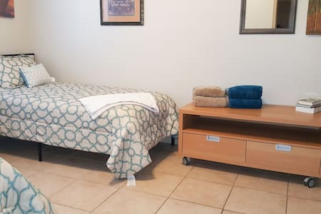 Bed 2 NO FEES & 3+Days discounts.