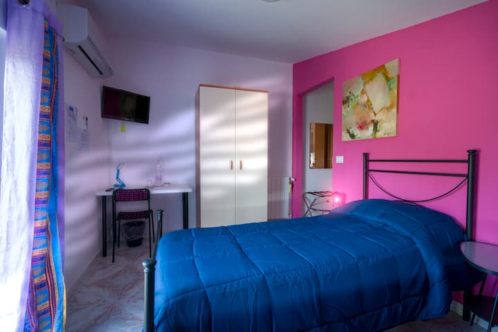 B&B Gàttina*** camera Fucsia