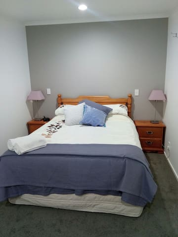 Private comfortable one bed retreat - Spring Creek - Other