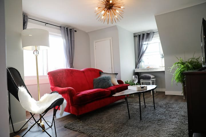 The Maple View Suite