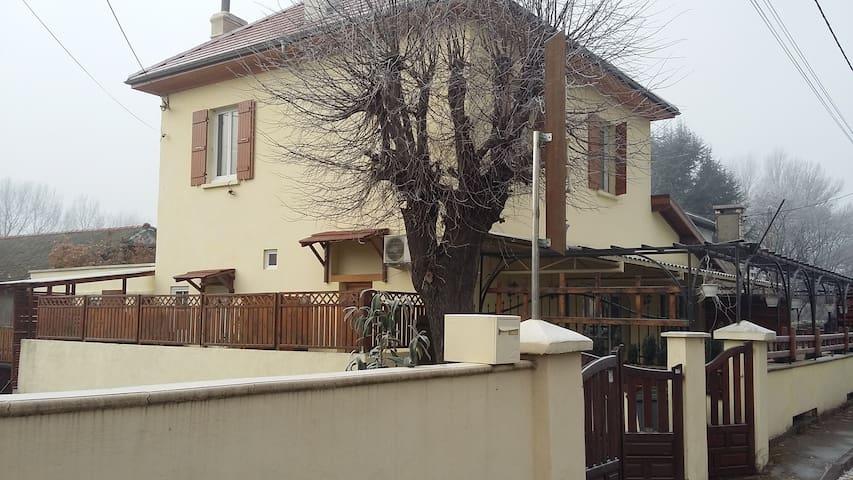 Chez Emil - Chambres d'hotes - Champ-sur-Drac - Dům