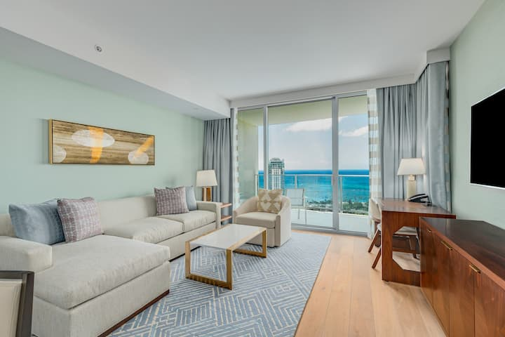 Real Select Vacations Premier 2 Bedroom Suite at Ritz Carlton Waikiki