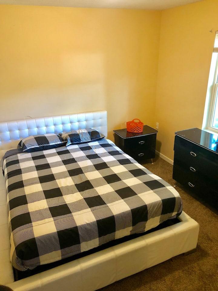 3 Bedrm Duplex (3rd room)