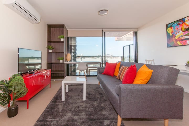 Eclectic Inner City Apartment Perfect for Couples!