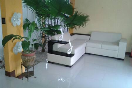 Habitación privada en zona rural - San Pedro de Poás - Bed & Breakfast