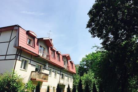 Светлая двухкомнатная квартира недалеко от моря - Svetlogorsk