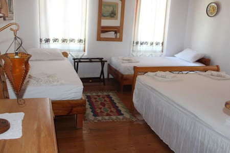 4-MARTI BUTiK HOTEL - A ROOM FOR FOUR PERSON - Ayvalık