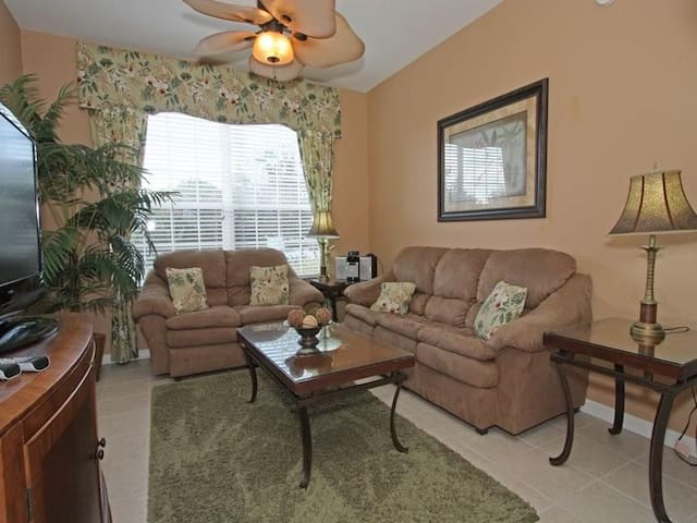 Windsor Hills   Condo 3Bedroom/2Bathroom  Sleeps 6   Gold - RWH383 - Four Corners