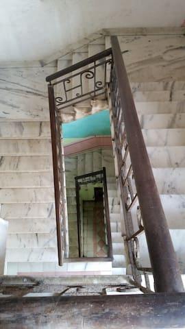 escalera amplia