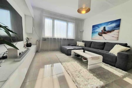 Private room in shared flat with host