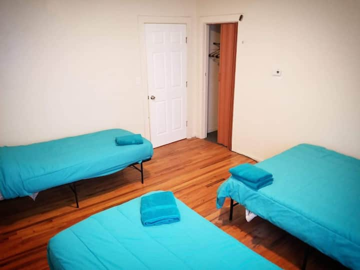 #3 Cozy private Bedroom near to Frnway park