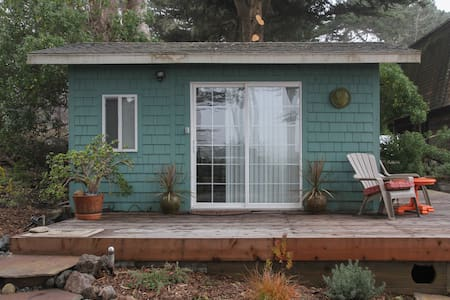 Seaside Studio - Bodega Bay - บังกะโล