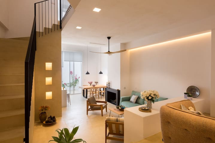 Casa de la Luz New townhouse in heart of Estepona