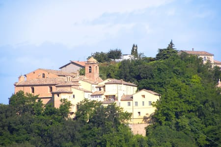 Apartment in Historic Monastery - Sant'Angelo in Pontano - Byt