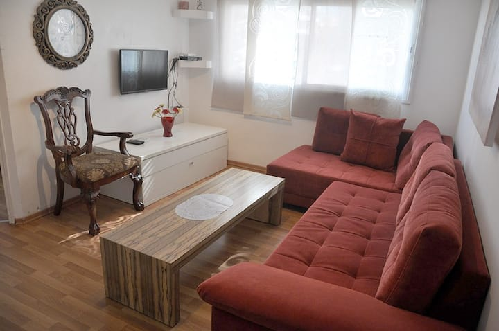 Cozy apartment on Ben Gurion 81/325