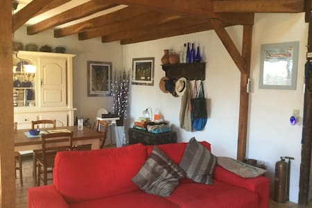 Tranquil village house close to Carcassonne for 6 - Saissac