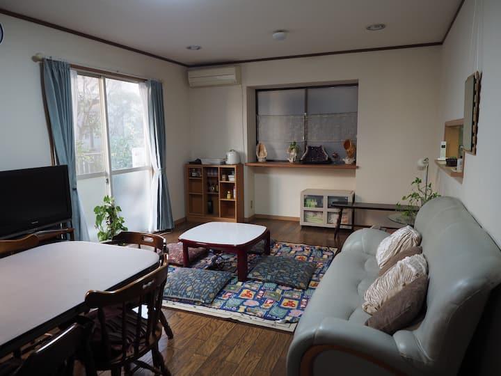 成田空港から急行45分!/一軒家貸切/自宅のようにくつろげるアットホームな空間/長期滞在歓迎