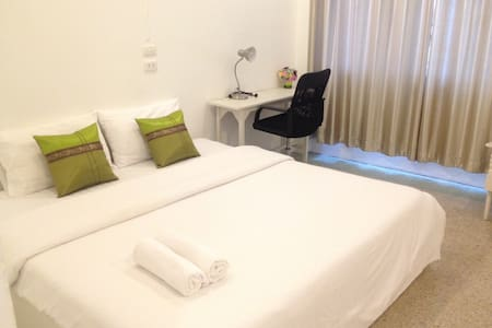 PrivateRoom@city centre 100% - Mueang Chiang Rai - Bed & Breakfast