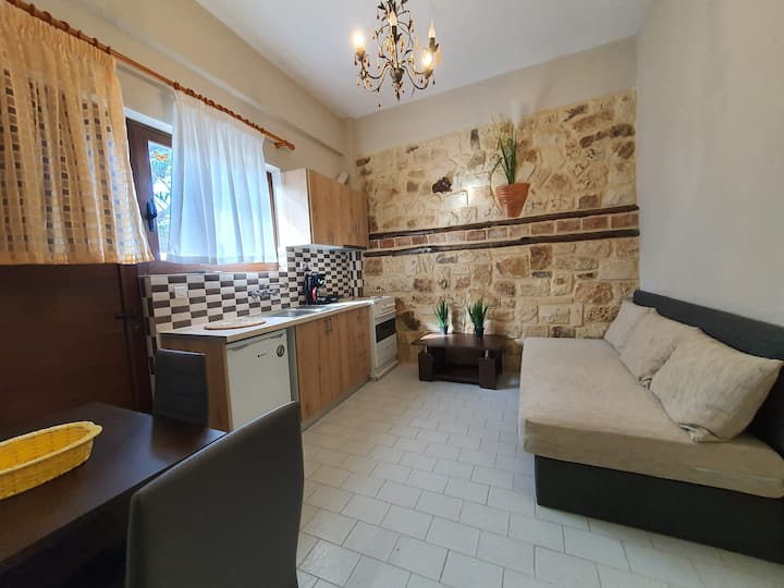Philoxenia Apartment 8 in Platanias