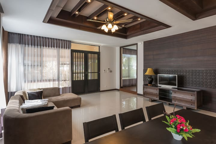4 Bedroom Private Villa with pool V56 in Pattaya