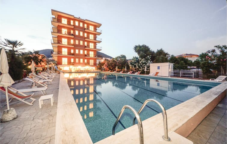 Holiday apartment with 1 bedroom on 40m² in Pietra Ligure (SV)